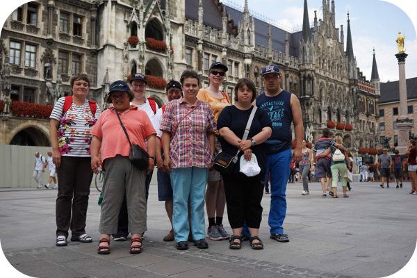 Gruppenfoto auf dem Marienplatz in München